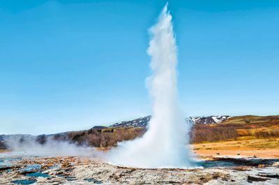Autoreise Naturschauspiel Island