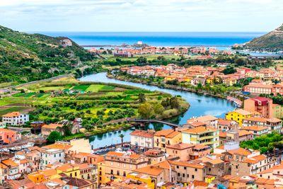 Busreise Sardinien - Naturerlebnisse und Nuraghenkultur