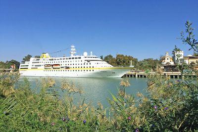 Schiffsreise Mittelmeer mal anders mit MS Hamburg ab Sevilla/bis Piräus
